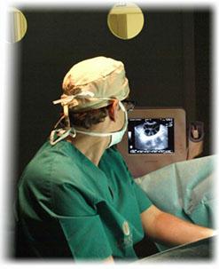 Cirujano en quirófano